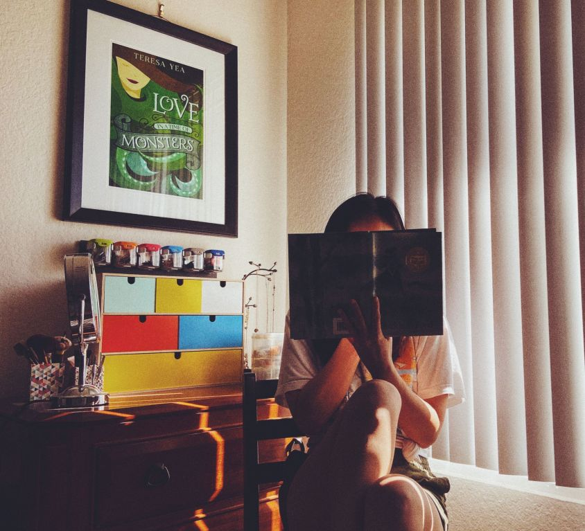 Reader reading The Witch of Blackbird Pond