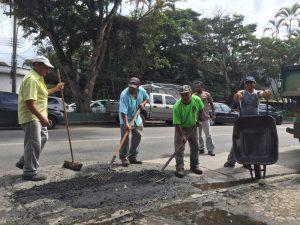 Operação tapa-buracos é reiniciada pela Prefeitura