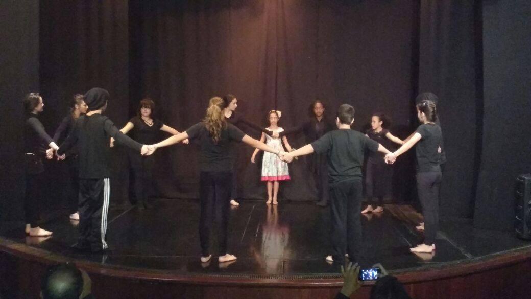Teatro Edinar Corradini encerra semestre com apresentações