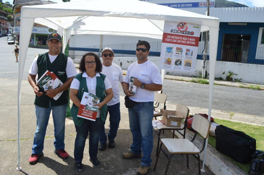 Dengue: Agentes da Prefeitura fazem ação de conscientização na Praça do Tiro de Guerra