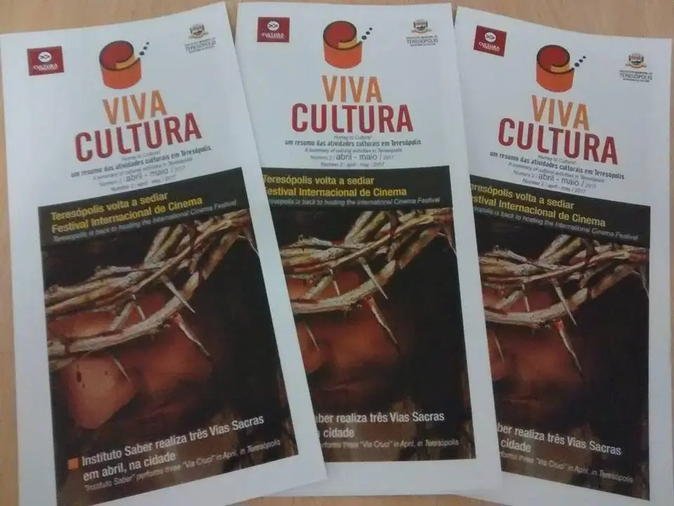 """Lançamento do folheto bilíngue """"Viva Cultura"""" oficializa a publicação que pretende divulgar eventos e artistas da cidade"""