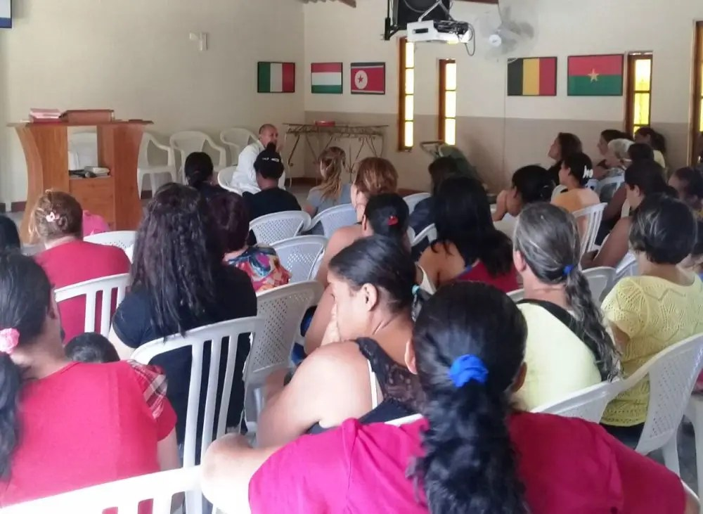Ações de saúde e beleza atendem 120 pacientes no PSF de Vargem Grande