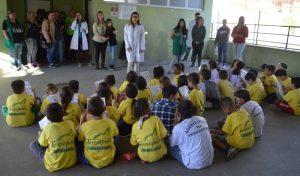 Crianças aprendem e se divertem na Colônia de Férias da Prefeitura
