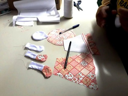 Oficina de artesanato em costura e bonecas de pano