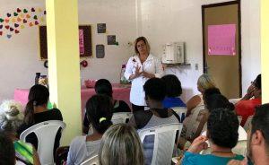 Outubro Rosa: clientela do CRAS Alto recebe palestra sobre câncer de mama