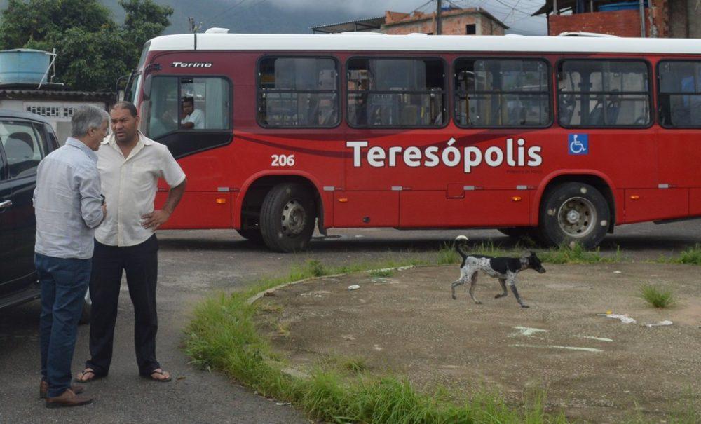 Prefeito Tricano solicita e ônibus voltam a circular no bairro do Tiro