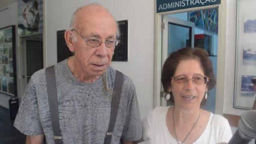 Gutierrez, artista plástico, e esposa Martha, fazem questão de ir à Casa de Cultura todo primeiro domingo do mês para assistir as apresentações