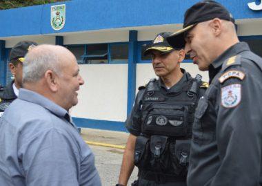 Prefeito Pedro Gil é apresentado ao comandante geral da PMERJ, coronel Laviano