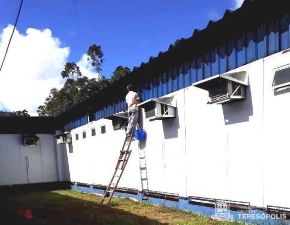 Manutenção externa do prédio da UPA 24 Horas