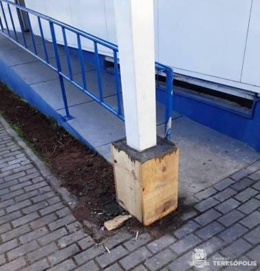 Reforço em coluna externa no prédio da UPA