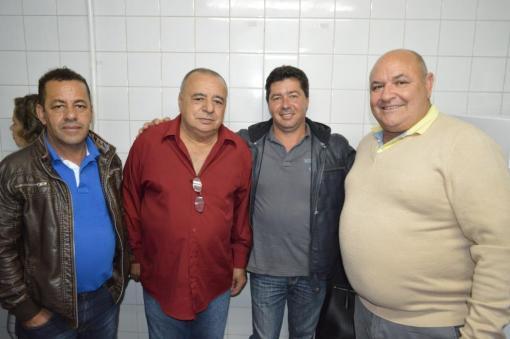 (esq. p/ dir.) Itamar Rodrigues, subsecretário de Governo, Valdir Paulino, pres. Conselho de Saúde, José Mariano (Zezinho), secretário de Agricultura, e prefeito Pedro Gil