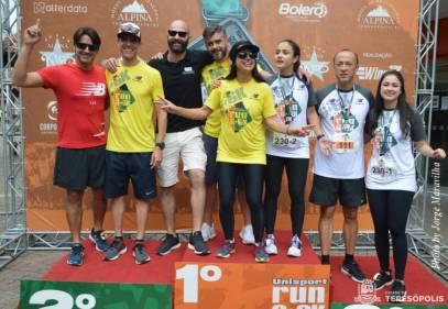 Comissão organizadora da corrida Unisport Run 6+6KM