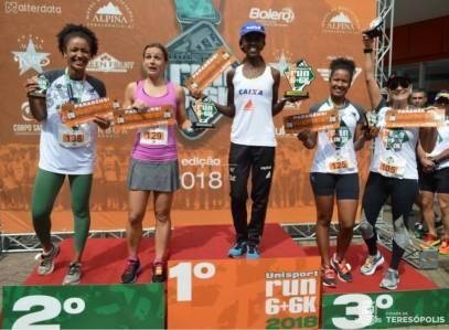 No feminino, as atletas vencedoras da corrida Unisport Run 6+6KM