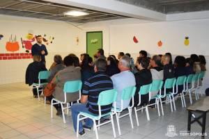 PREFEITURA ORIENTA AGRICULTORES SOBRE CHAMADA PÚBLICA DA MERENDA ESCOLAR