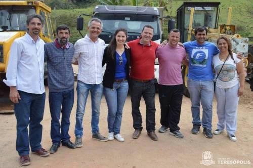 Secretário de Agricultura, José Carlos Fita, recebeu o maquinário com a presença da equipe técnica da Emater/RJ.