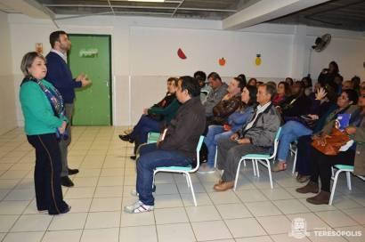 Secretária de Educação, Rosana Mendes, e o Secretário de Administração, Lucas Guimarães, no Encontro Rural em Bonsucesso