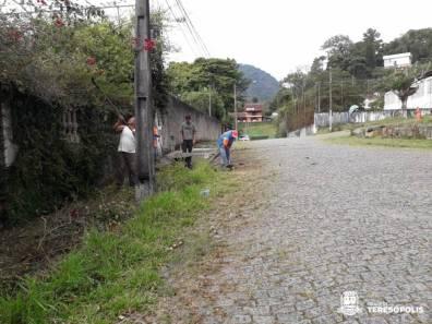 Capina e Limpeza no Parque Ingá