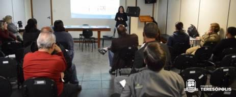Consultora Roberta Castro apresenta o programa Busca Ativa Escolar, na Secretaria de Educação