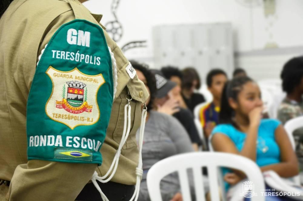 GUARDA MUNICIPAL LANÇA PROJETO DE PREVENÇÃO ÀS DROGAS NAS ESCOLAS