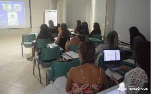 PROFISSIONAIS DE SAÚDE PARTICIPAM DE CURSO SOBRE DOENÇAS PREVALENTES NA INFÂNCIA