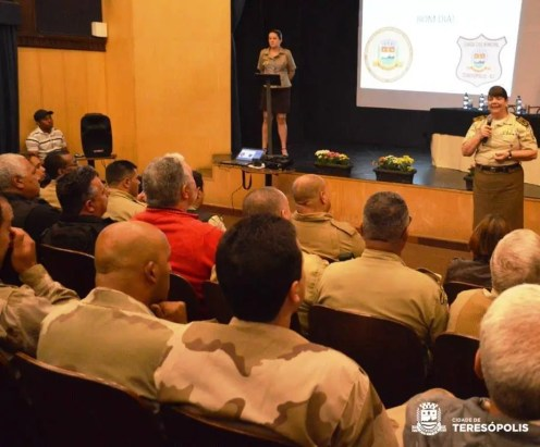 Tatiana Mendes, comandante da Guarda Municipal do Rio, ressalta a importância do trabalho feito com dedicação e amor