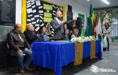 Prefeito Vinicius Claussen deseja sucesso a todos