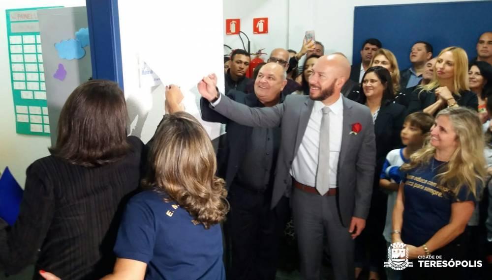 PREFEITO VINICIUS CLAUSSEN ENTREGA REFORMAS DE ESCOLAS MUNICIPAIS EM SANTA ROSA E BONSUCESSO