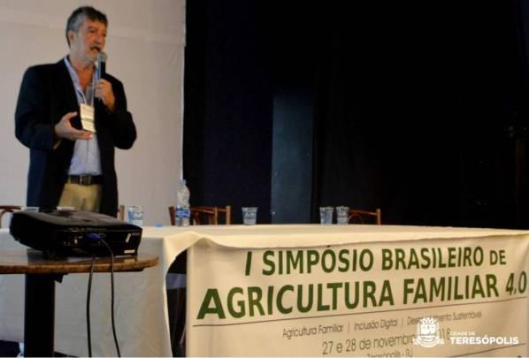 Nelson Teixeira Alves Filho abre a programação com palestra sobre o Programa Rio Rural, do Governo do Estado do Rio de Janeiro