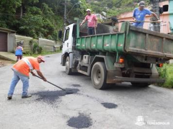 Operação tapa-buracos recupera trechos danificados das vias públicas