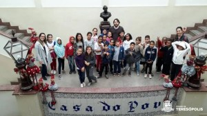PROJETO 'OLHAR TERESÓPOLIS' ATENDE ALUNOS DE VARGEM GRANDE