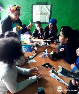 Alunos da Escola Sylvio Amaral dos Santos participam de contação de história