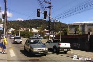 Semáforos com botoeiras para pedestres vão melhorar segurança no trânsito e mobilidade urbana
