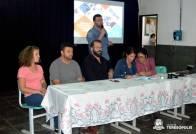 Secretário de Administração Lucas Guimarães, de pé, inicia a Chamada Pública da merenda escolar