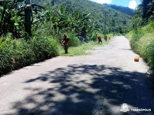 Roçada na estrada entre Imbiú e Sebastiana