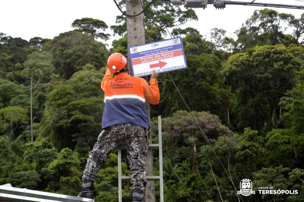 Defesa Civil sinaliza acesso a pontos de apoio em 9 bairros