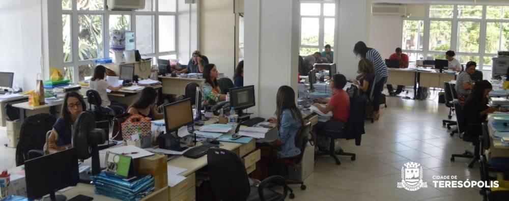 Primeiro aumento em 4 anos: Prefeitura de Teresópolis dá reajuste de 5,1% aos servidores ativos e inativos