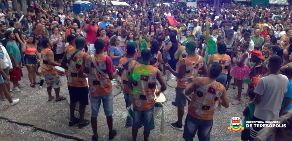 Carnaval 2019 – Terê Alegria em Família – Lupulando: shows e desfile de bloco animam o domingo de Carnaval no Alto