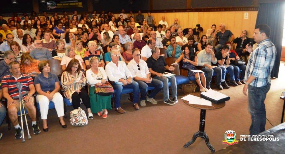 Audiência pública reúne população e poder público em debate sobre Habitação de Interesse Social