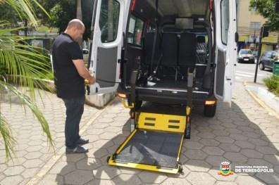 Antonio Vasconcellos, secretário de Saúde, destaca que a aquisição das vans adaptadas é uma iniciativa inédita do governo de Teresópolis