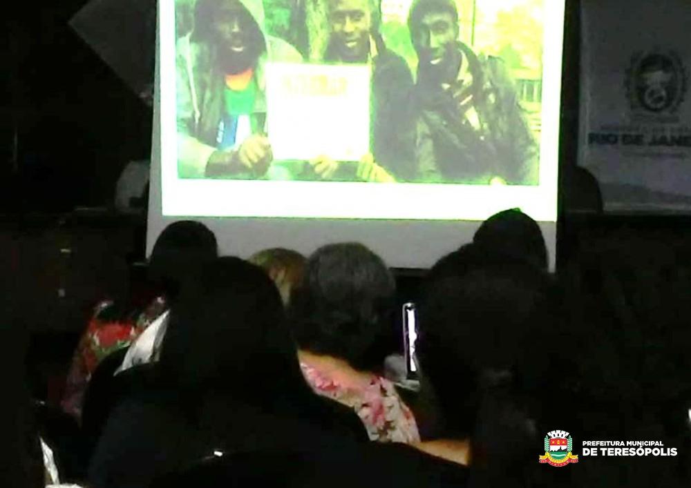 Seminário Estadual de Pessoas em Situação de Violência tem participação de equipe de Teresópolis