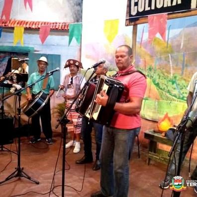 Cantores populares se apresentam na edição 'Festas Juninas' do projeto 'Cultura de Raiz'