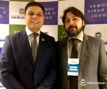 Na abertura do I Encontro de Soluções Locais, secretário estadual das Cidades Juarez Fialho e o Vice-prefeito Ari Boulanger