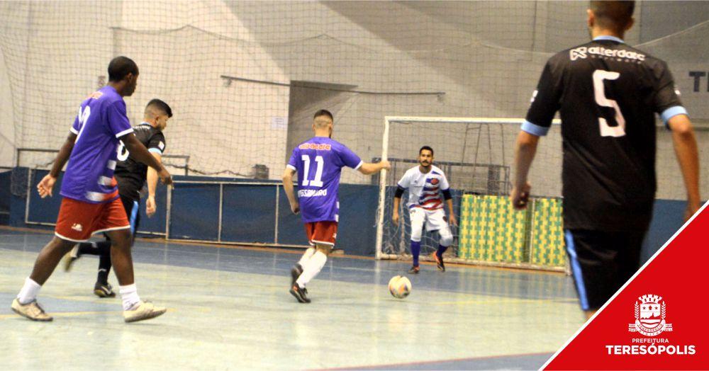 Super Taça Empresarial de Futsal começa com 20 gols marcados em 3 jogos