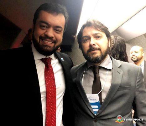 Vice-governador Cláudio Castro com o Vice-prefeito Ari Boulanger no I Encontro de Soluções Locais