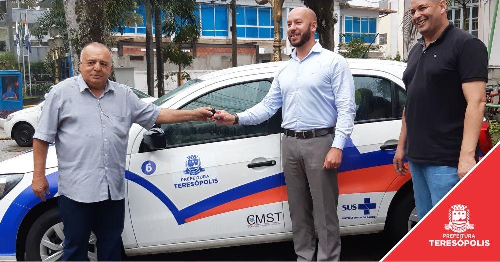 Gestão Municipal entrega carro para ações de fiscalização do Conselho de Saúde