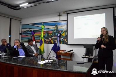 Richele Cabral, da Fetransport, apresenta o estudo do sistema de integração