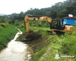 Início da dragagem de trecho do Rio Príncipe, na Posse