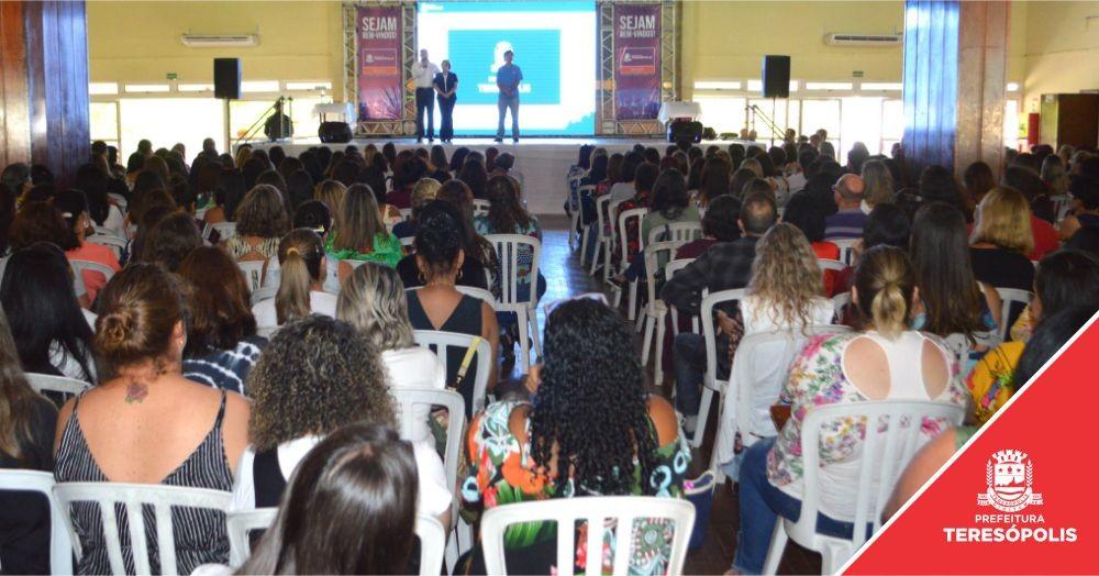 Evento de abertura do ano letivo é marcado por anúncio de investimentos na Educação