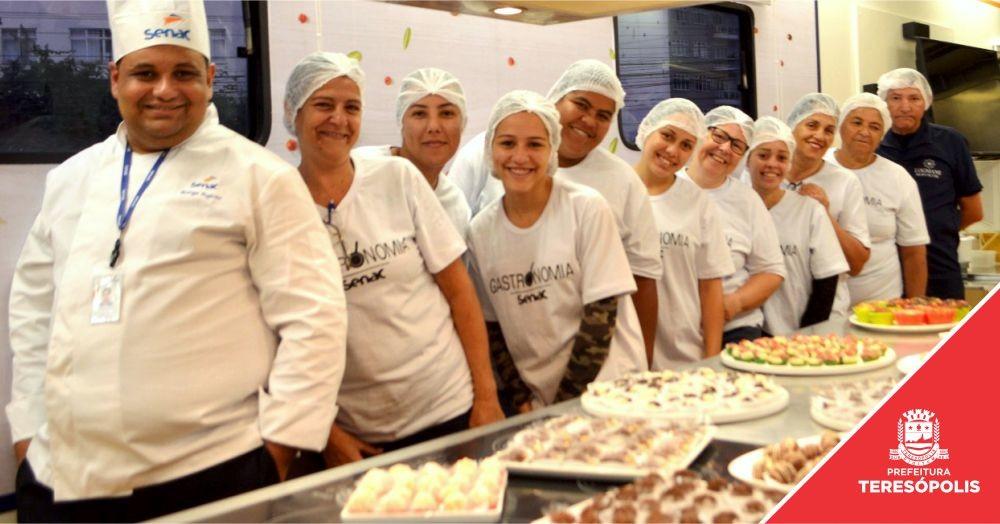 Prefeitura de Teresópolis e Senac formam 69 profissionais na área de Gastronomia