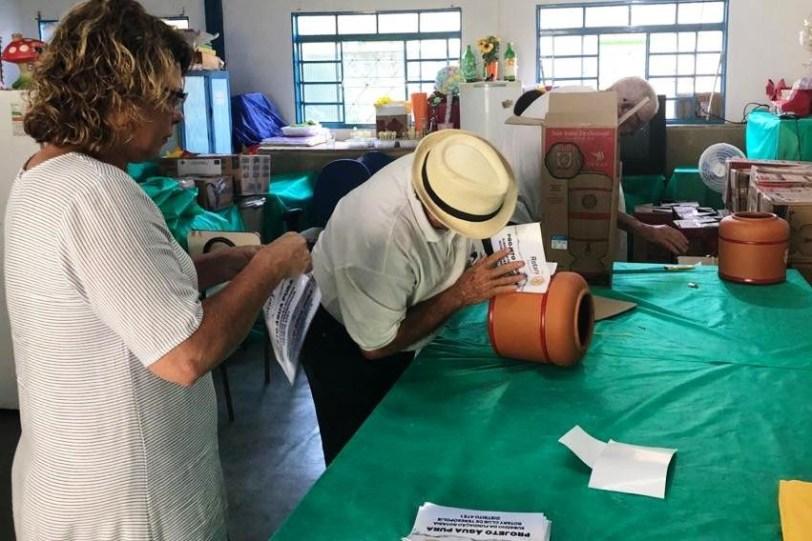 Projeto 'Água Pura' 54 famílias atendidas pelo CRAS Meudon recebem filtros e velas (3)